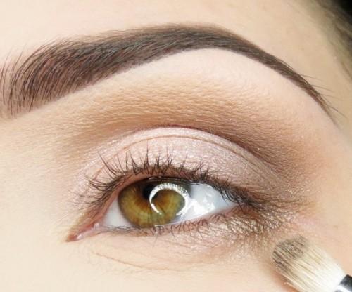 Дневной макияж для карих глаз. Расставляем акценты