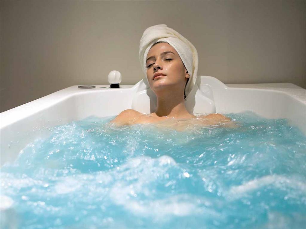 Лезби в солевой ванной фото 91-33