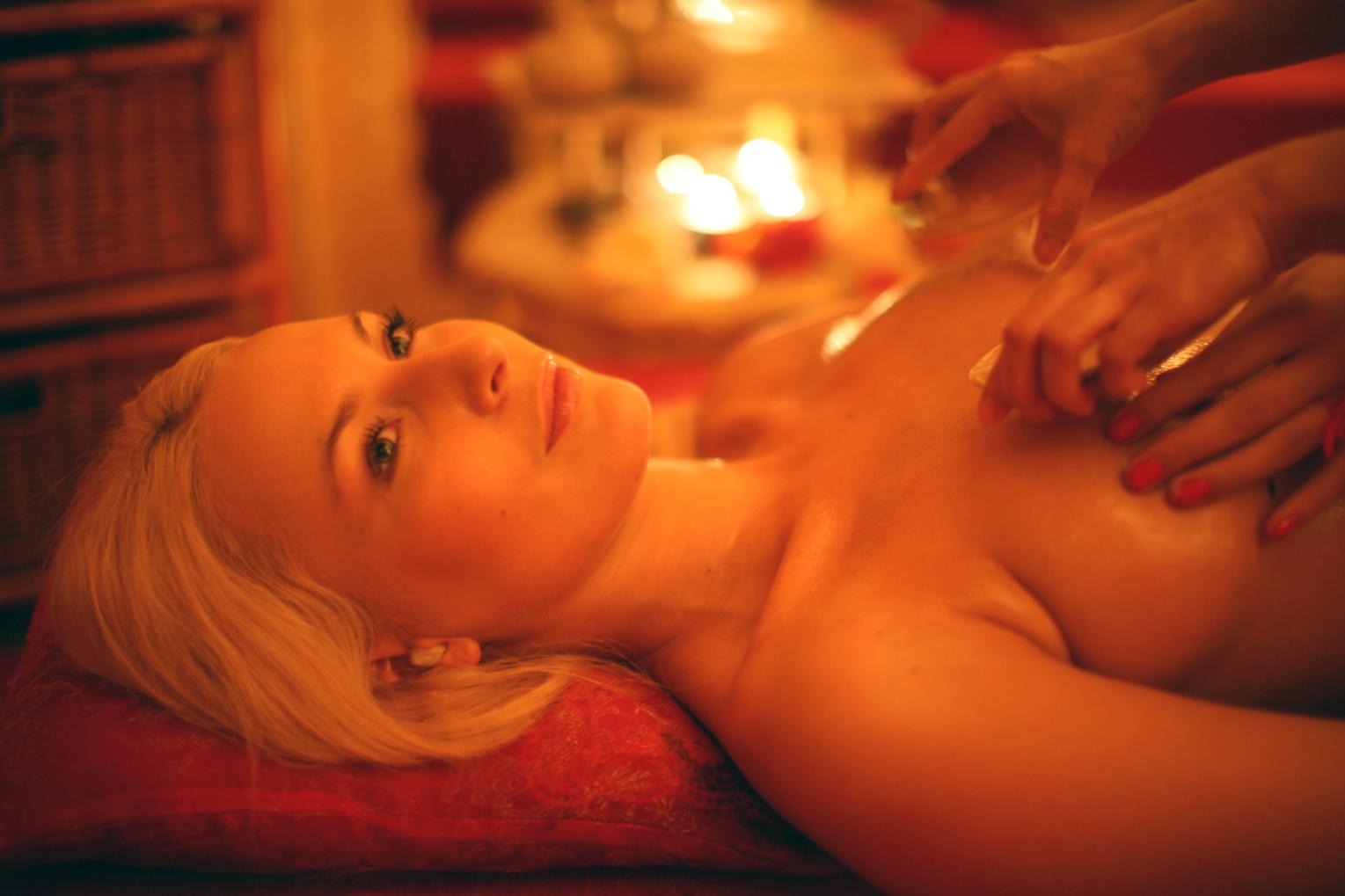Фото женщин на эротическом массаже 1 фотография