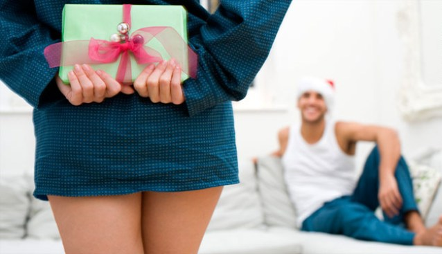 Фото выбор подарков на новый год в магазинах