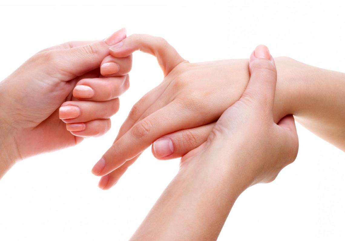 Как сделать приятно женщине пальцами фото 682-298