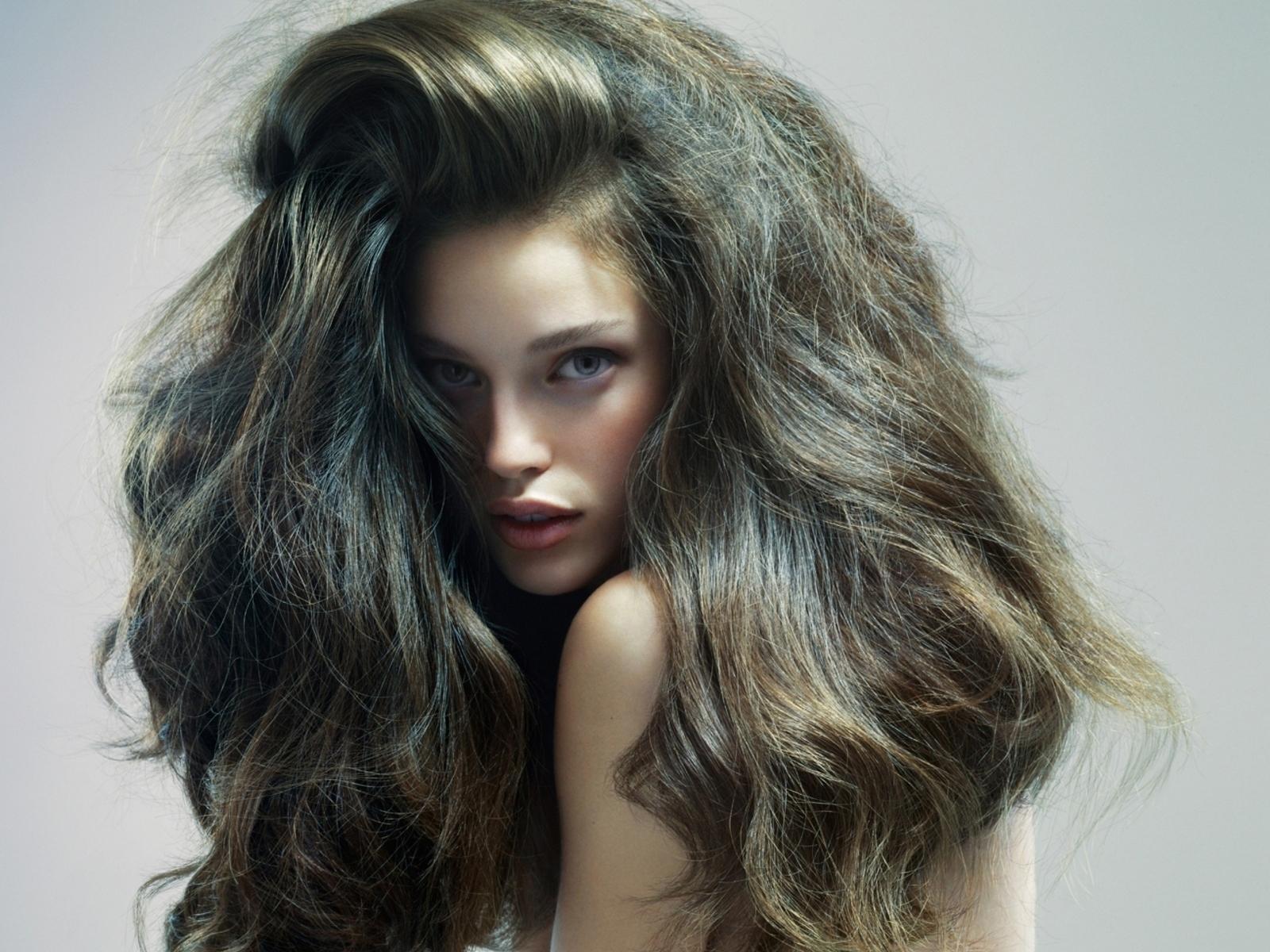 Как сделать волосы более пышными 384