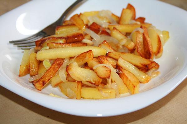 вкусно пожарить картошку на сковороде