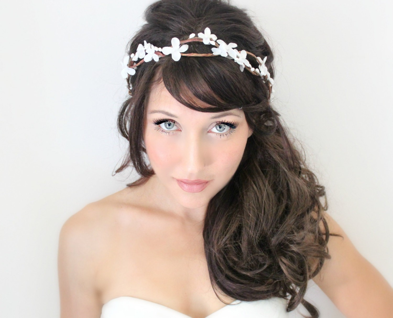 Свадебная причёска на бок с чёлкой