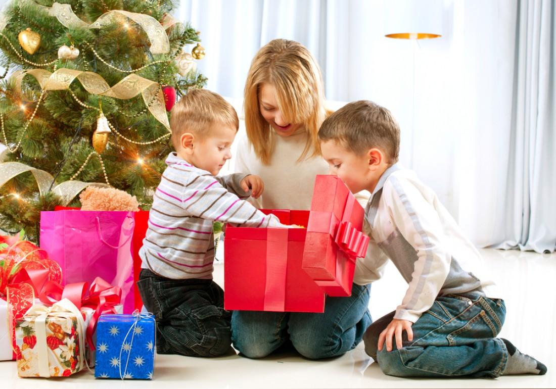 Где купить подарки к новому году детям