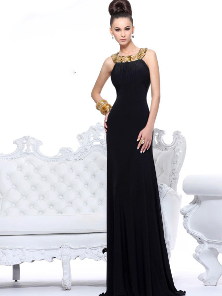 Вечернее платье в черном цвете