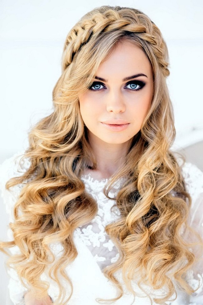 прически кудри на средние волосы с челкой фото
