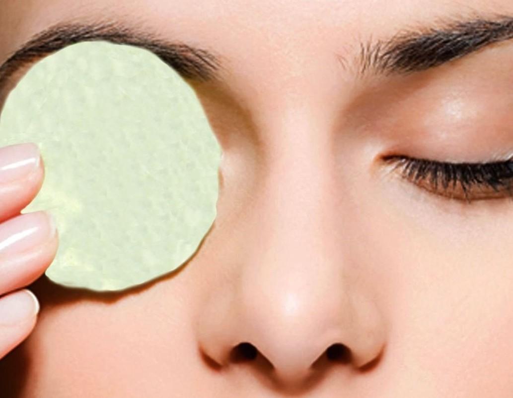 Маска на кожу под глазами в домашних условиях