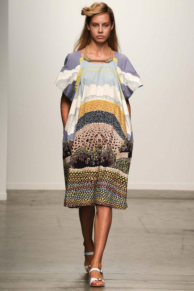 Свободное модное платье фото