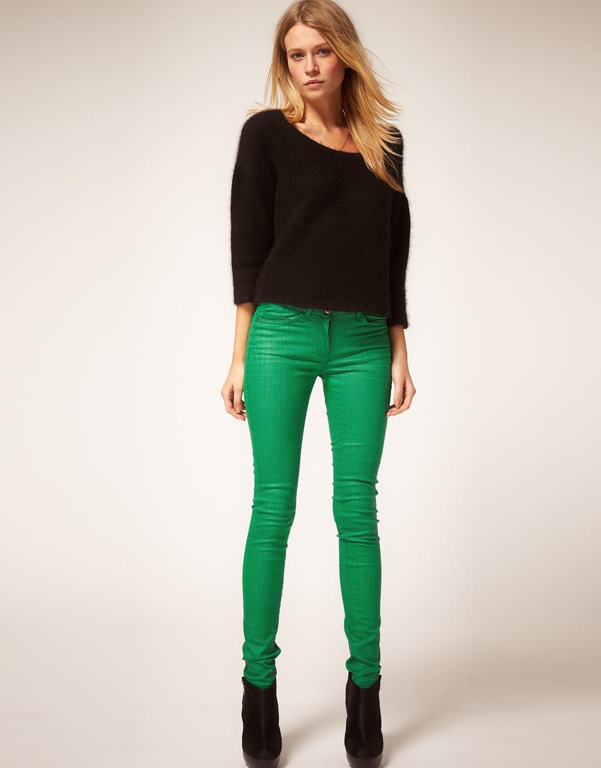 Под что одеть зеленые брюки