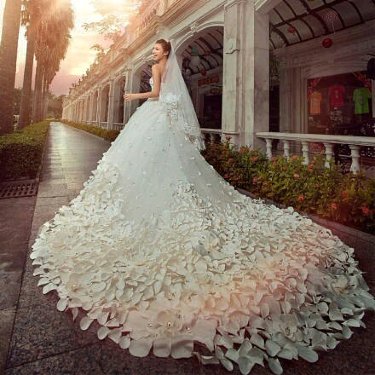 Свадебные платья шикарные пышные
