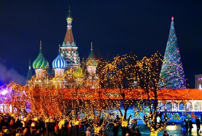 Все Праздники - Страница 14 Novogodniy-tur-v-moskvu-650x436