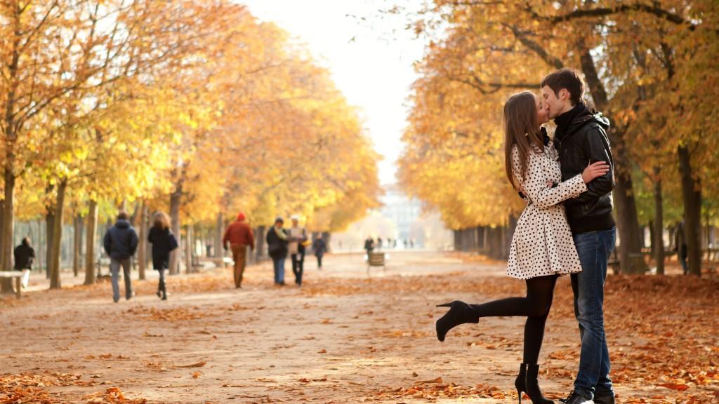 осенние картинки влюбленных пар