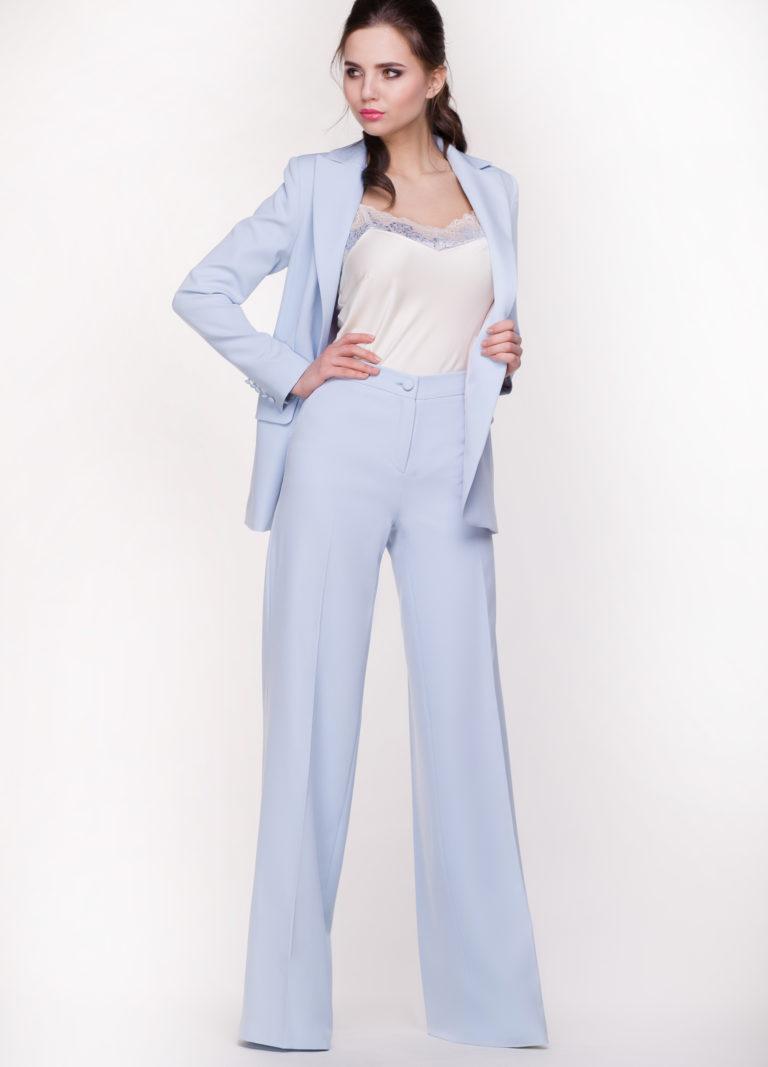 Женские костюмы с широкими брюками