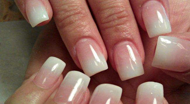 Как сделать белое омбре на ногтях белое 3
