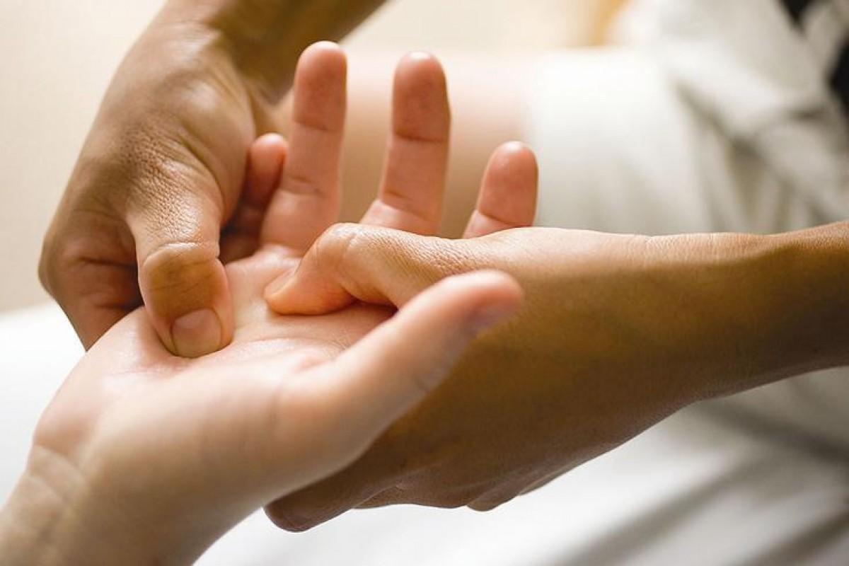 Массаж пальцев ног и рук в руки
