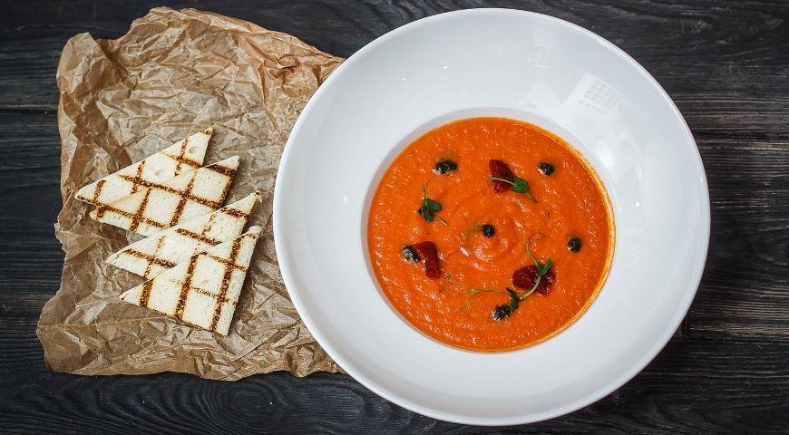 Томатный суп с гренками рецепт