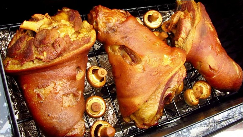 Рецепт свиной рульки горячего копчения