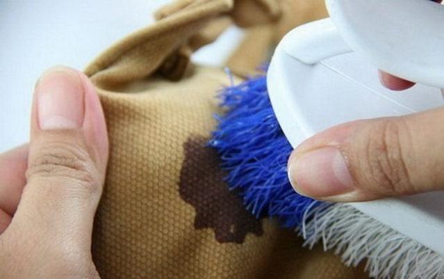 Как отстирать мазуту с куртки в домашних условиях