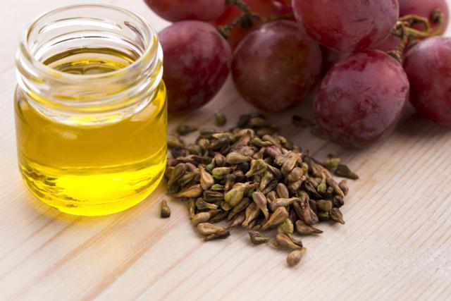 Масло виноградных косточек — полезные свойства и применение