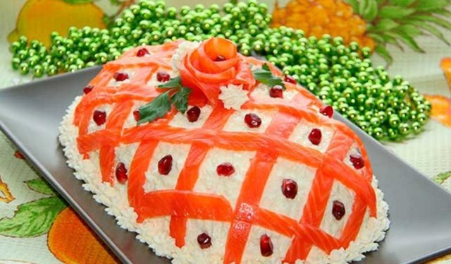 Простые, вкусные и оригинальные рецепты салатов на праздничный стол — фото рецепты. Мясные, рыбные, постные, овощные, слоеные салаты — топ 10 рецептов