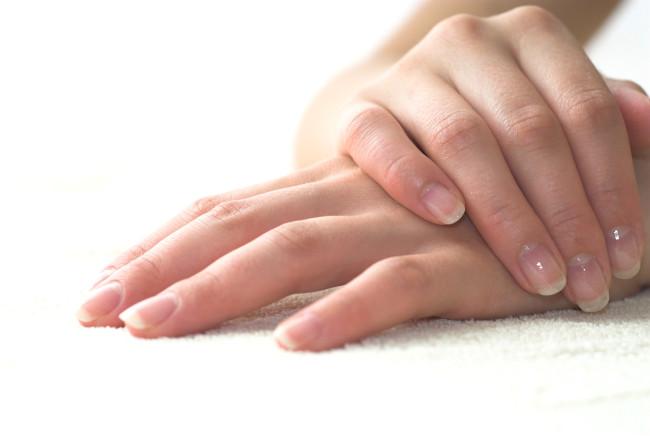 Почему трескается кожа на руках и как легко от этого избавиться