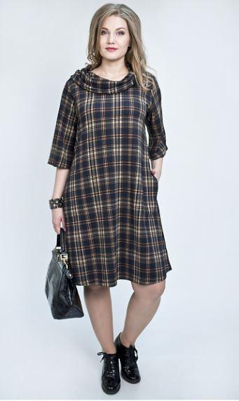 e3e49b74fa53eb8 Свободное модное платье в клетку будет удачным вариантом на 2018 для женщин  от 40. Оно воплощает простоту и изысканность, прекрасно смотрится на любой  ...