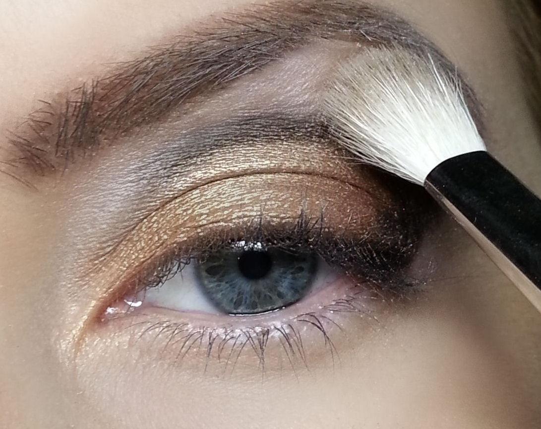 Фото как красить тенями глаза для увеличения