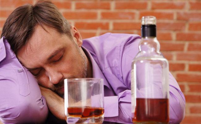 Уколы от головной боли: препараты при разных симптомах