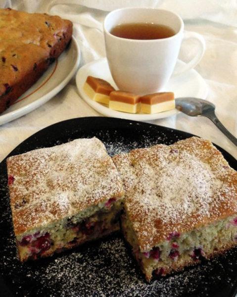 Как приготовить домашний пирог с брусникой. Рецепты вкусного пирога с брусникой пошагово с фото. Как испечь песочный, слоеный, дрожжевой пирог с брусникой