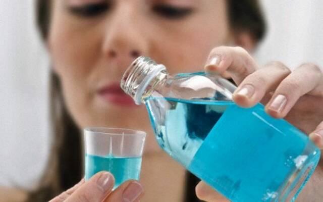 Можно ли полоскать рот Хлоргексидином. Применение Хлоргексидина для полоскания рта — инструкция. Как разводить хлоргексидин биглюконат для полоскания рта