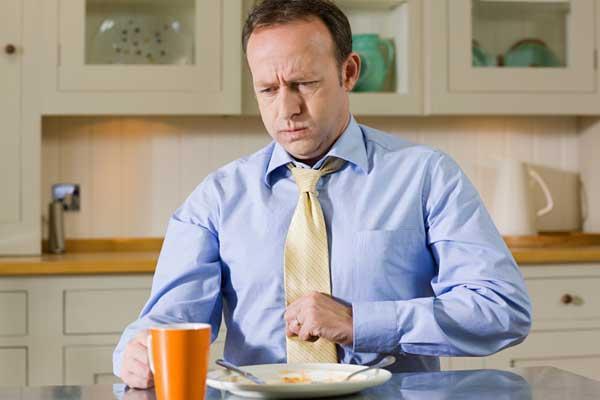 Почему отрыжка тухлыми яйцами, симптом какой болезни. Что делать, если отрыжка тухлыми яйцами у взрослого и у ребенка. Лечение отрыжки тухлыми яйцами