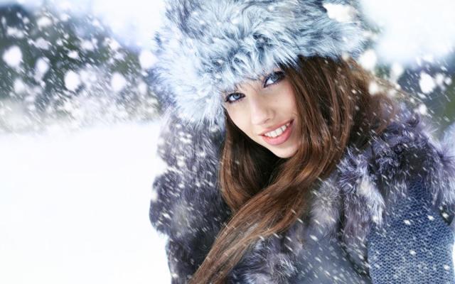 Меховые шапки — модная зима. Какую меховую шапку купить. Модные ... d49f4413ce4d9