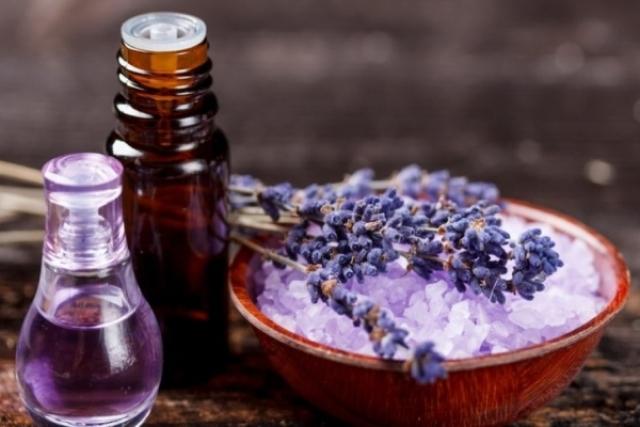 Эфирное масло лаванды — применение и полезные свойства лавандового масла